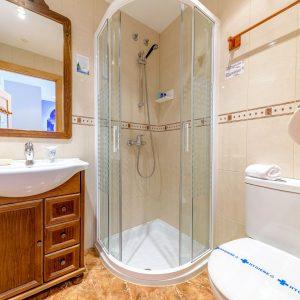 Baño de Habitación Doble superior en Castro Urdiales