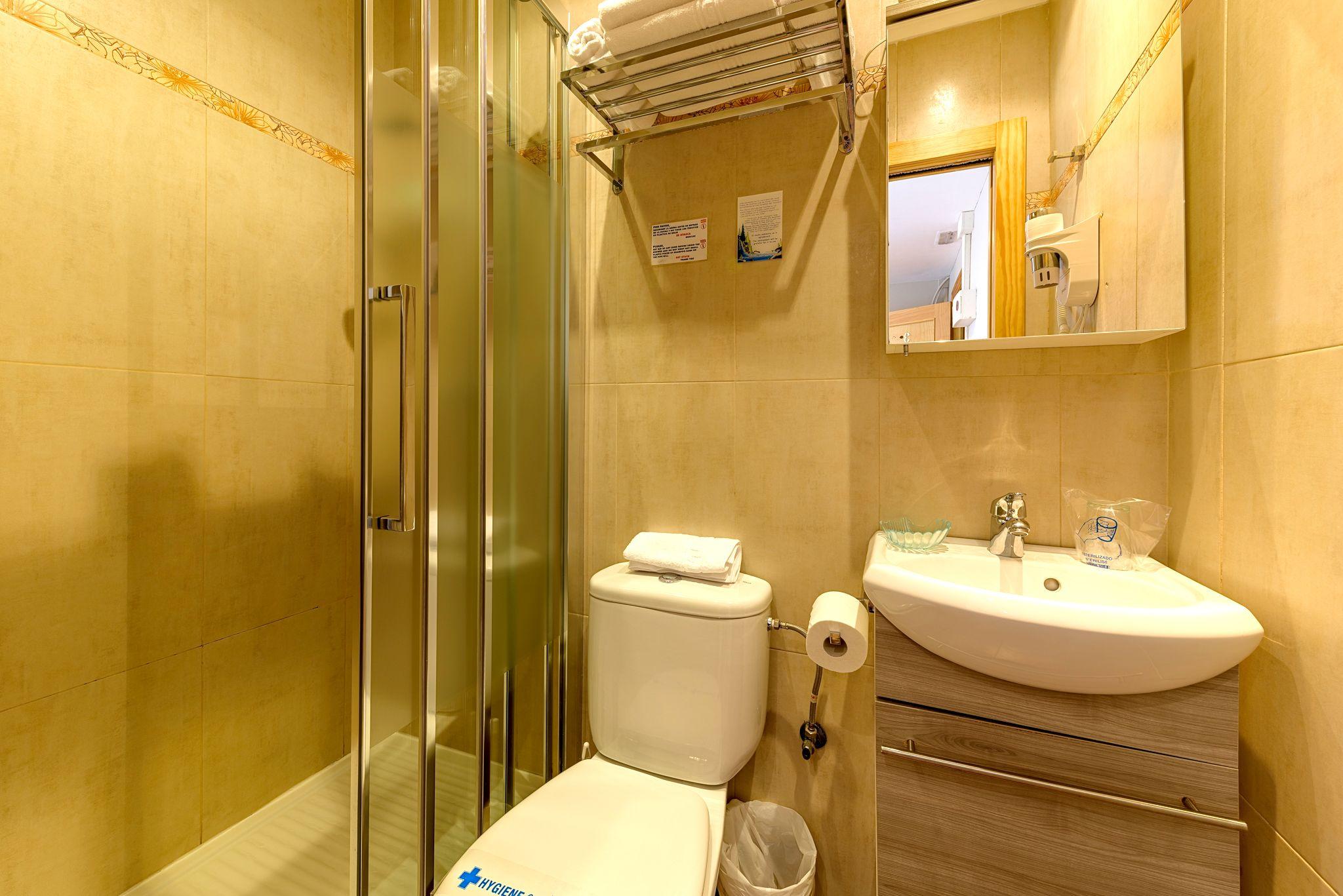Baño de Habitación Doble Romántica en Castro Urdiales