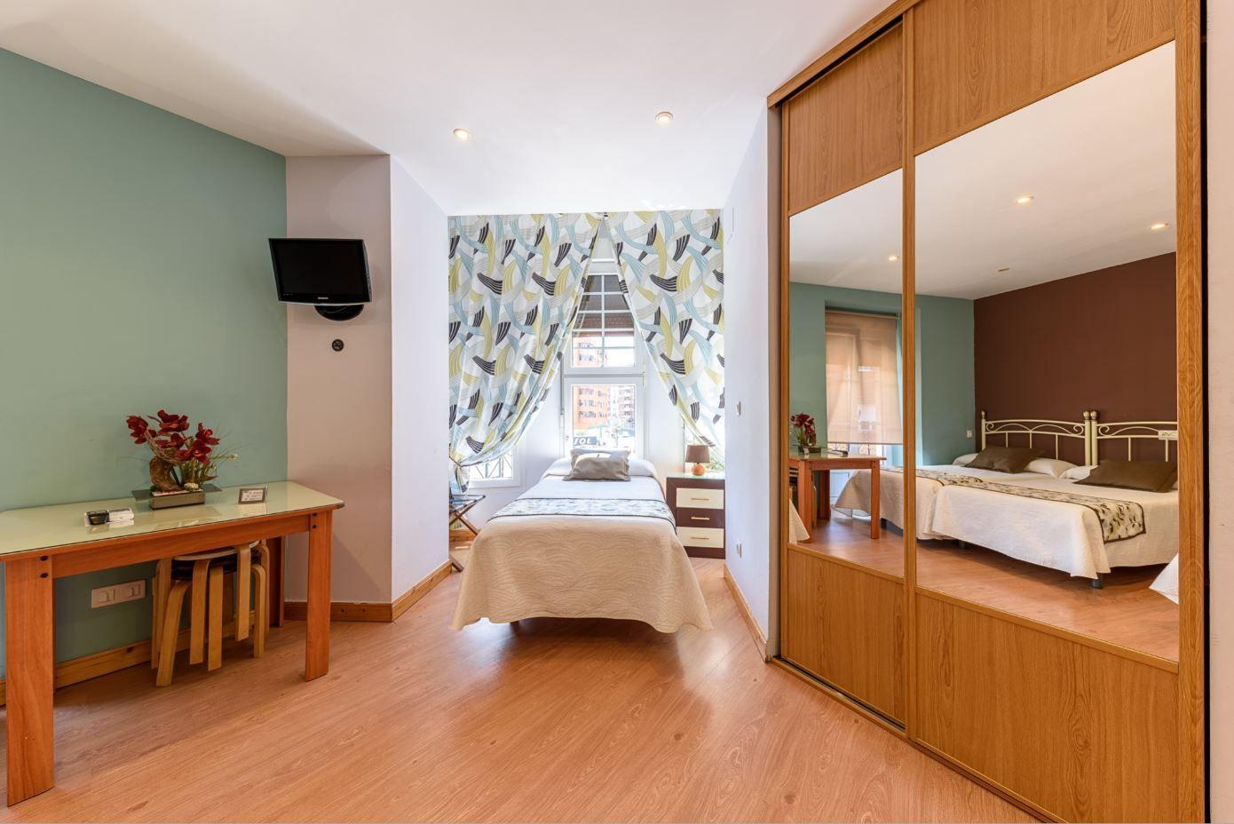 Habitación Cuadruple en hotel Castro Urdiales cocina